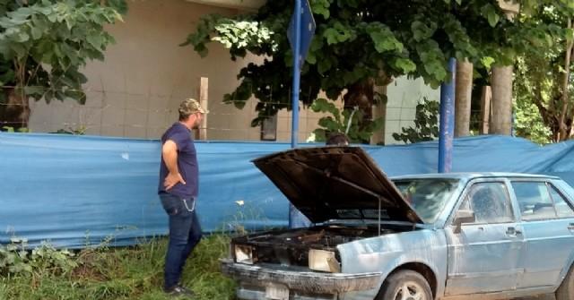Un automóvil sufrió un principio de incendio en Boulevard Tormey